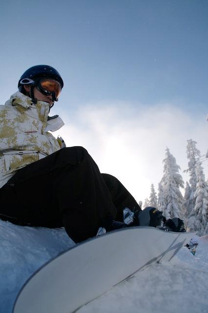 snowboarder-sitting
